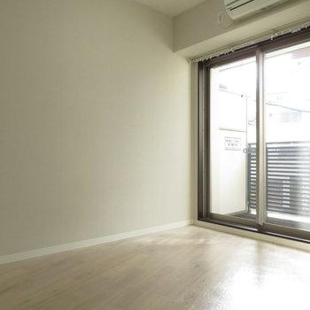 奥は寝室にどうぞ※写真は2階の同間取り別部屋のものです