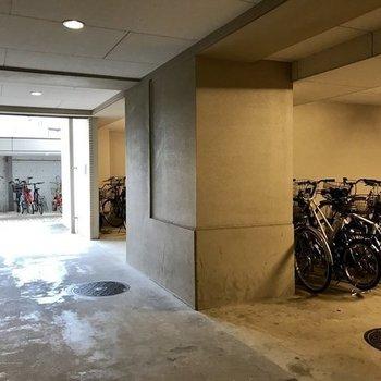 駐輪スペースも豊富。