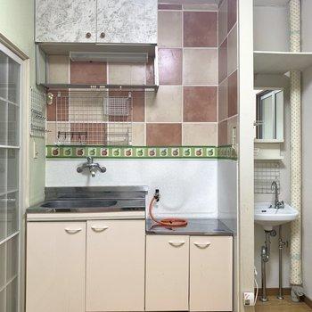 おままごとのキッチンみたいにかわいい♪(※写真のお部屋は清掃前のものです)