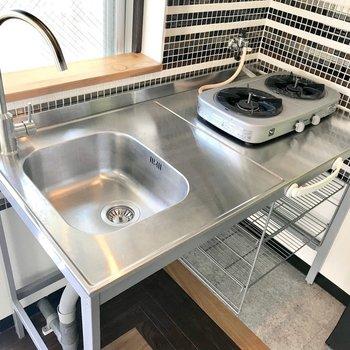 オールステンレスカッコいいキッチン!洗い物はこまめにね。