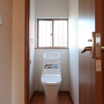 トイレはたっぷりの奥行き!