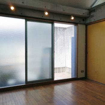 【3階】大きな窓でたっぷり採光しますよ。