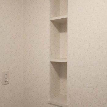 サニタリーの棚にはルームディフューザーとか置いちゃお♩※写真は2階同間取り別部屋のものです