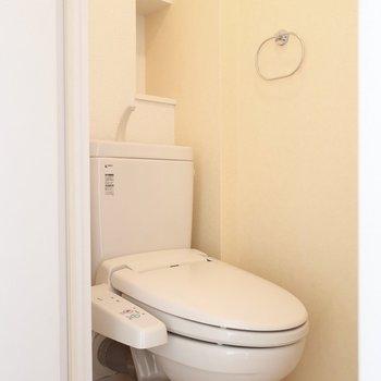 トイレもウォシュレット完備です※写真は2階同間取り別部屋のものです