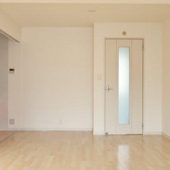 明るめのトーンで柔らかい雰囲気◎※写真は2階同間取り別部屋のものです