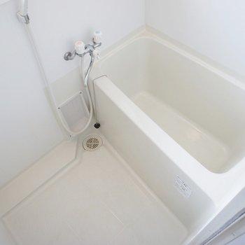 バスルームは小さめかな、、、