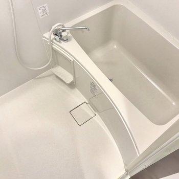 お風呂も綺麗です!ゆったりバスタイムを楽しもう。