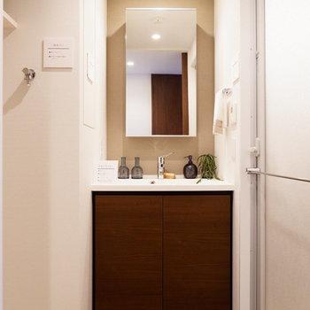 サニタリーはホテルライクに。※家具はサンプルです