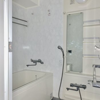 ゆったりお風呂※写真は15階の同間取り別部屋のものです
