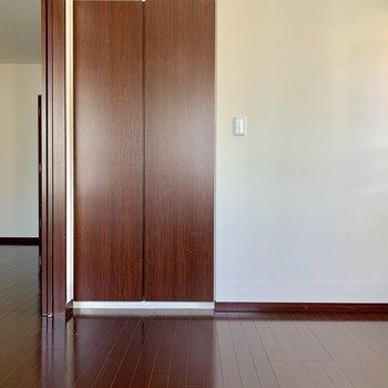 【ベッドルーム】開けて広々1K風にもできますよ※写真は15階の同間取り別部屋のものです