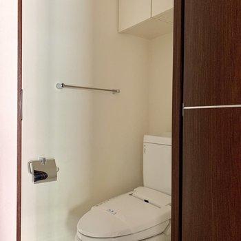 トイレは個室です※写真は15階の同間取り別部屋のものです