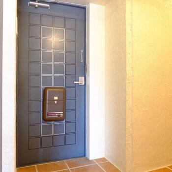 この玄関がまた素敵で。
