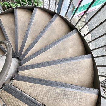 螺旋階段でも登り降りできますよ!