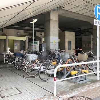 駅には駐輪場もあるので、自転車も活用できます