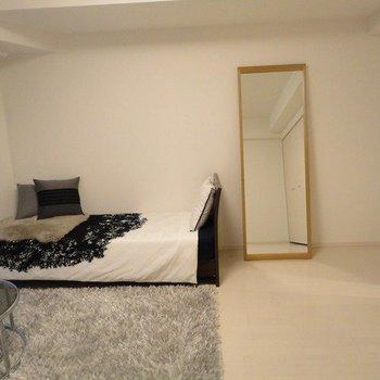 11.6帖ほどの居室を広々使えます。※写真は1階の同間取り別部屋のものです
