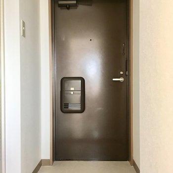 懐かしさを感じる玄関。