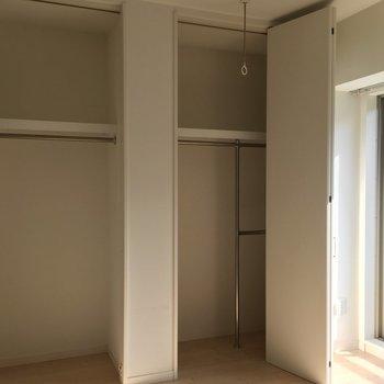 クローゼットが2つもある!※写真は8階の同間取り別部屋のものです