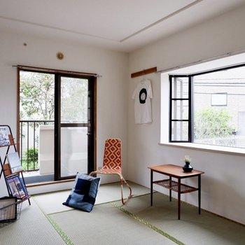 【和室】二面採光でお部屋が明るい!※家具・雑貨はサンプルです
