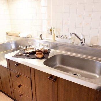 【DK】調理スペースもしっかりと。※家具・雑貨はサンプルです