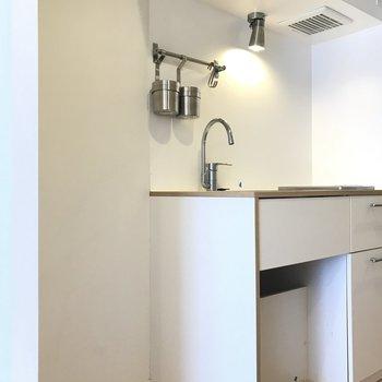 冷蔵庫は隣に置けそうです※写真は前回募集時のもの