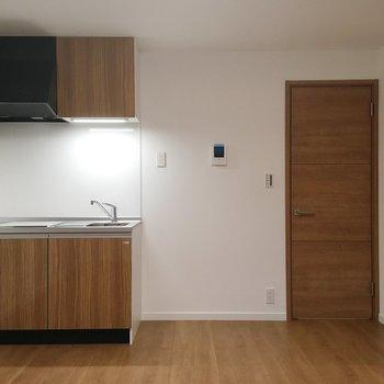 居室はキッチンがあるので、気になるなら仕切りを作っても良いかも