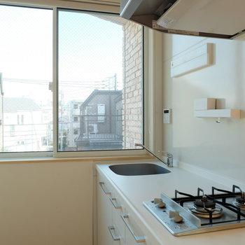 キッチンのには大きな窓が※写真は前回募集時のものです