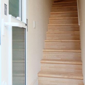 玄関ドアは窓になってますよ!※写真は前回募集時のものです