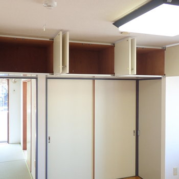 【DK】収納は吊戸棚が3つと、、、