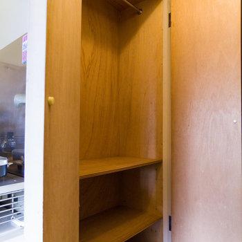 服が多い人でも安心だ。※写真は4階同間取り別部屋のものです