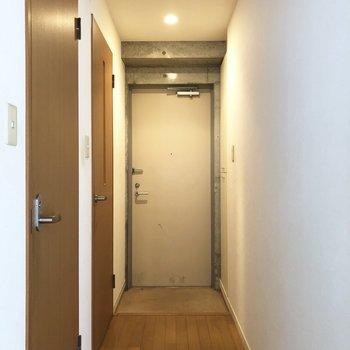 シュッとした玄関。※写真は前回募集時のものです