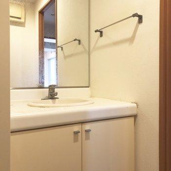 朝の準備に嬉しい独立洗面台です。※写真は前回募集時のものです