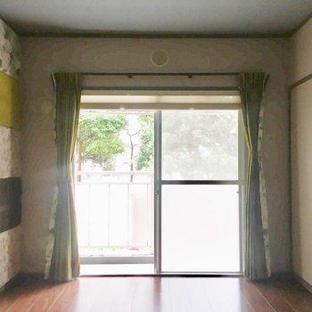 【洋室1】LDKのお隣。ご夫婦のお部屋かな?※写真は通電前のものです