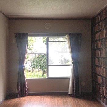 【洋室3】最後のお部屋です。※写真は通電前のものです