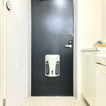 玄関はゆったりと〜