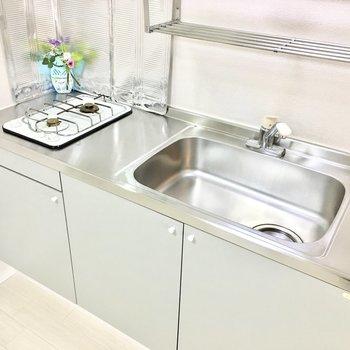 ゆったりした流しで洗い物がしやすい。