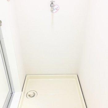 洗濯パンはお風呂場の前に。