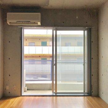 女性限定のお部屋で、セキュリティーも充実※写真は通電前・3階の反転間取り別部屋のものです