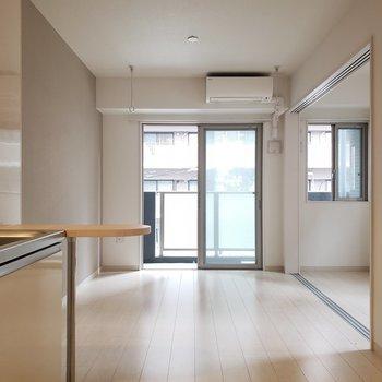 透明感があってきれいなお部屋!※写真は4階の反転間取り別部屋のものです