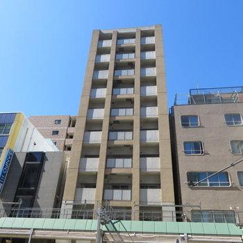 松屋町筋沿いのマンションです。