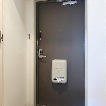 明るい玄関から、今日も元気よく行ってきます〜!