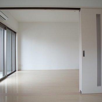 オープンして使うこともできますよ♪ ※写真は6階の同間取り別部屋のものです