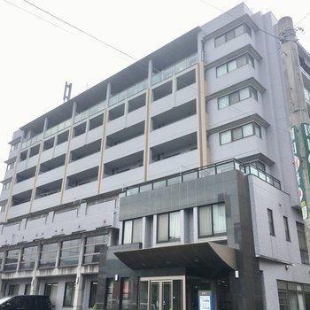 1・2階は病院やデイサービスが入っています。