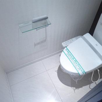 トイレはウォシュレット付きで嬉しい!※写真は10階の反転間取り別部屋のものです