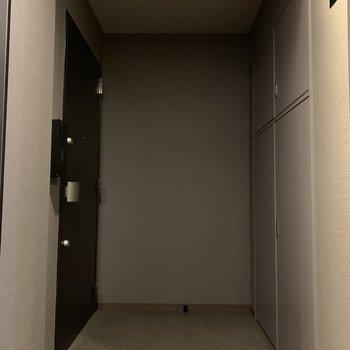 お部屋はくぼんだところにあるので通る人はいません