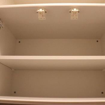 トイレ上の収納棚