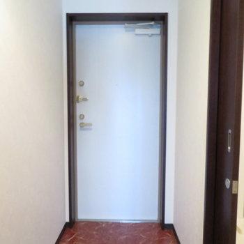 玄関は広さあります
