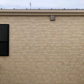 眺望はお隣の建物が見えますよ。