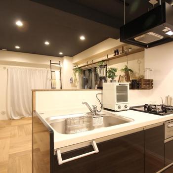 家具イメージ】3口キッチンならお料理もはかどりますね〜!