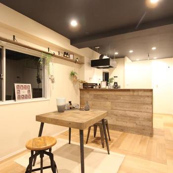 家具イメージ】床と天井のカラーがなんだかオシャレ度アップ!
