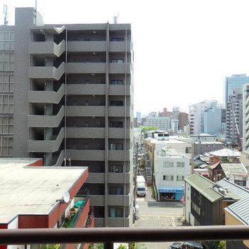 オフィス街にほど近く、閑静なマンションが立ち並ぶ人気のエリア※同間取り6階のお部屋の写真です。